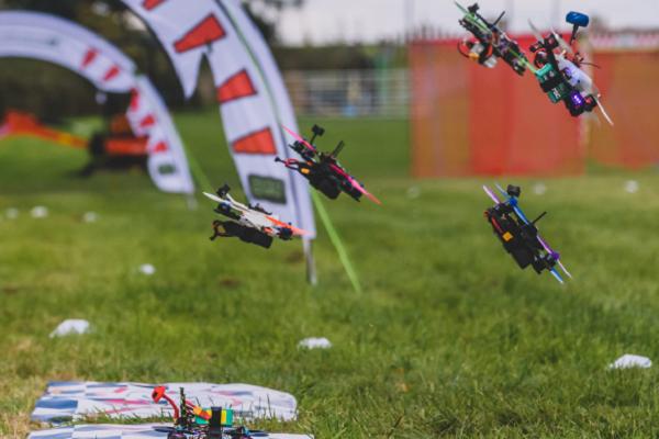 Actividades team building con drones para empresas
